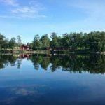 Sjön Yngen med Persbergs friskola i horisonten