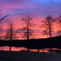 soluppgång vid sjö